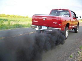 Descubre las fallas del coche según el color del humo de escape